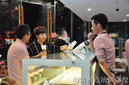 刘清学员新店刚开张,生意就火爆到甩邻居家9条街?看完您就知道了!
